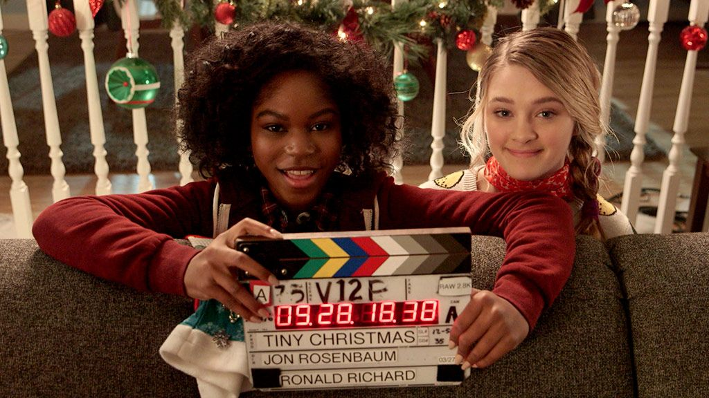 Tiny Christmas.Lizzy Riele Go Behind The Scenes