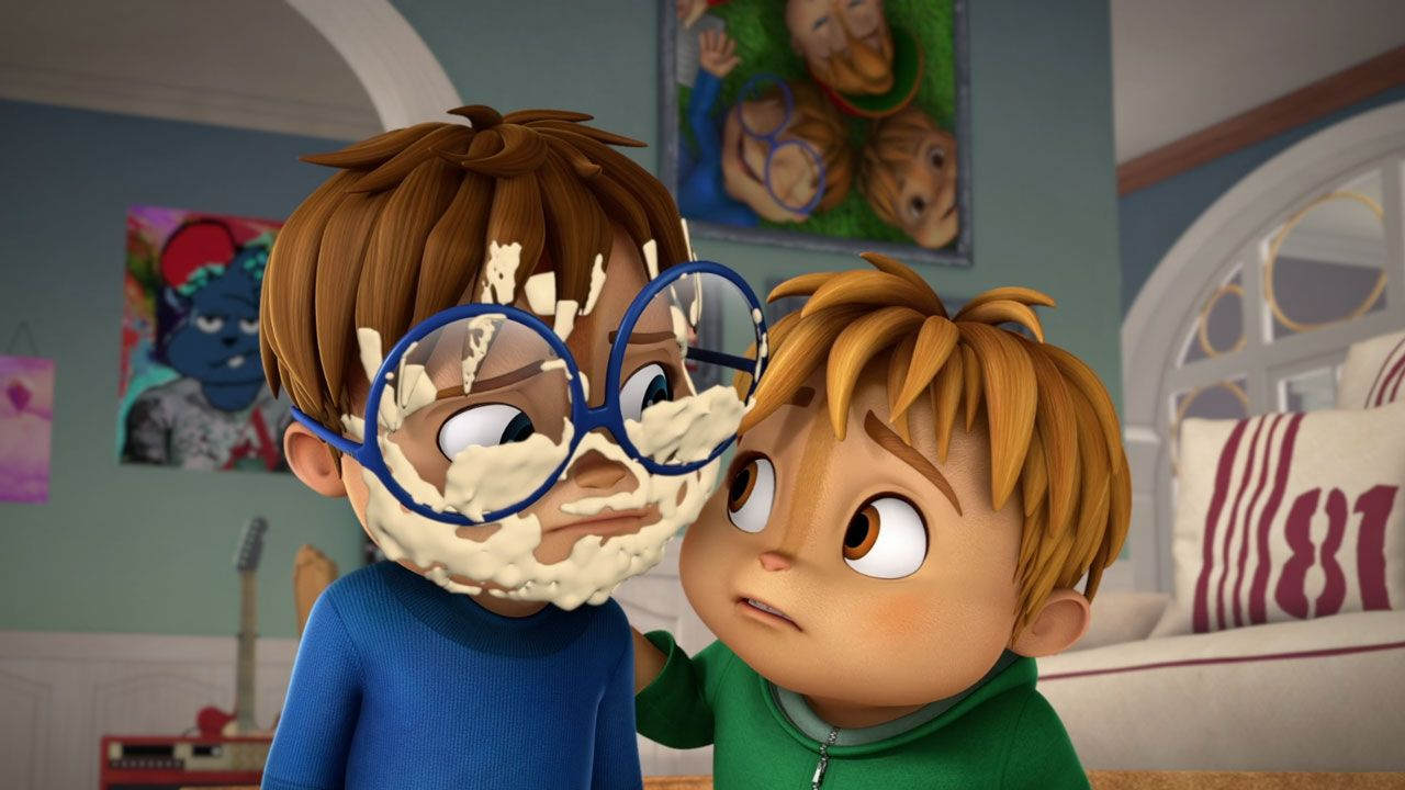 Alvin And The Chipmunks Alvin And Brittany pranking simon